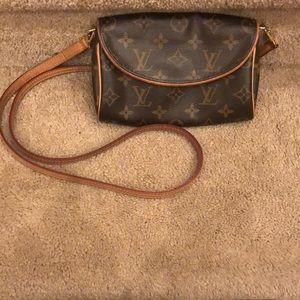 Luis Vuitton crossbody/belt bag.